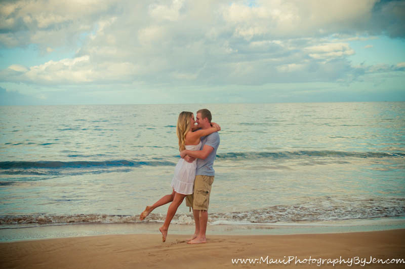 maui photography with couple in love on the beach