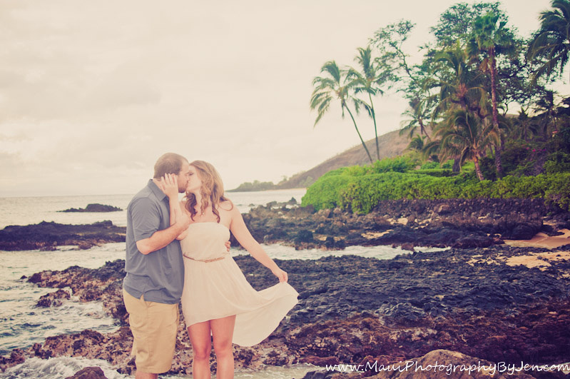 photography in maui with romantic couple