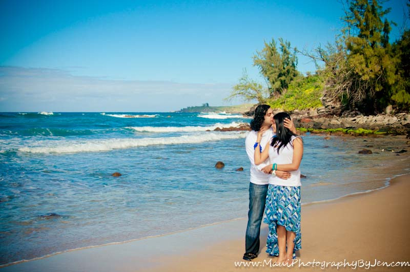 maui photographers with couple in love