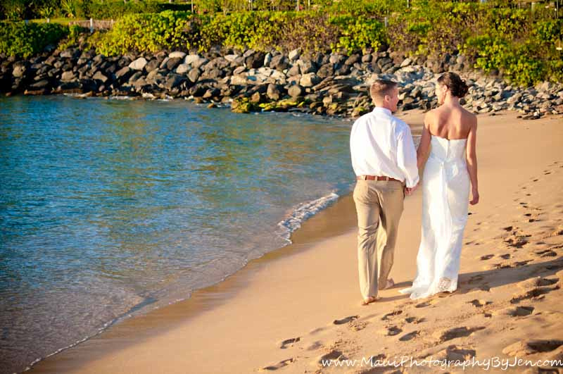 maui photographer wedding couple