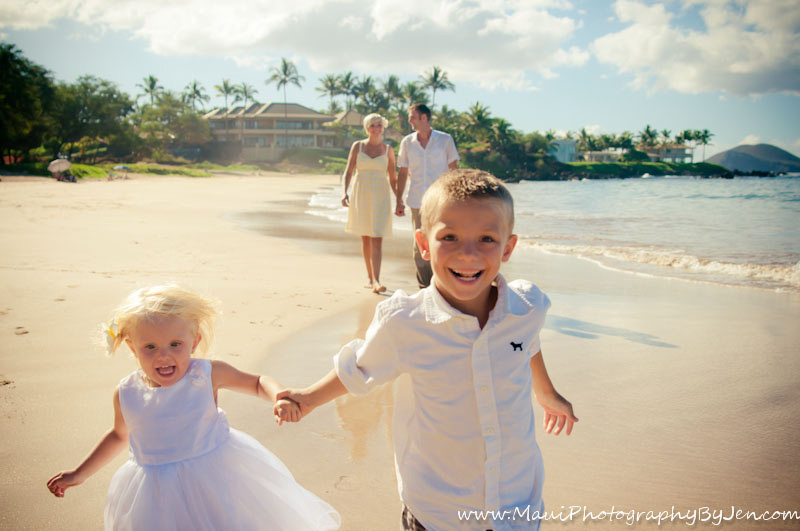 photographer in maui fun with kids