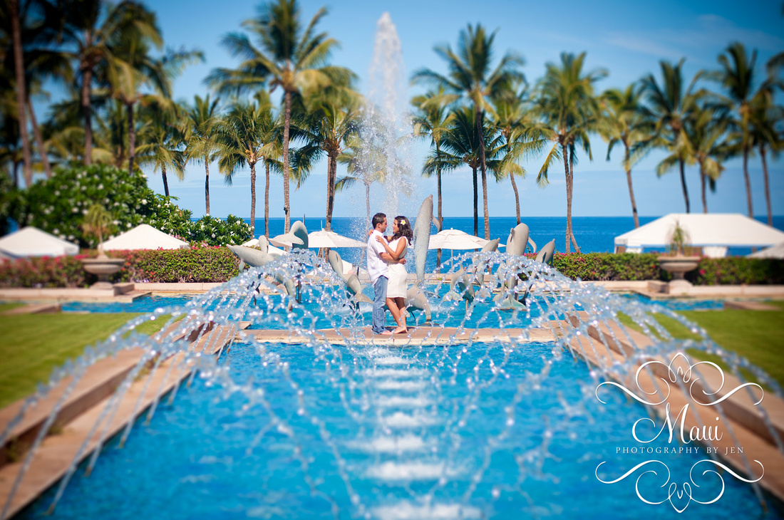 photographers in maui at grand wailea honeymoon
