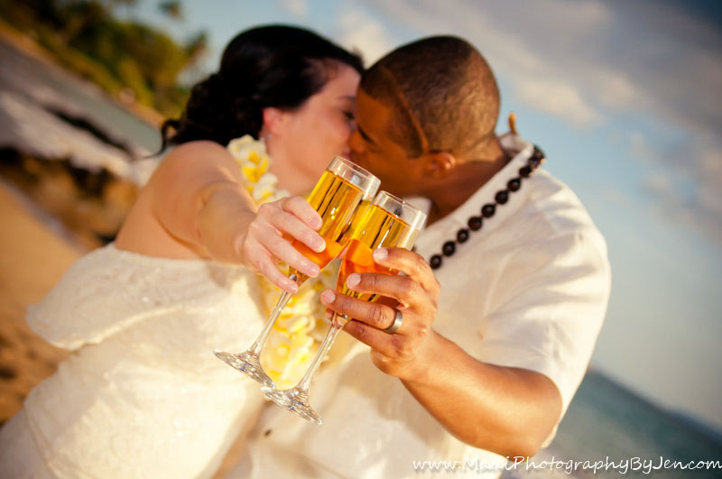 maui wedding photography with champagne glasses