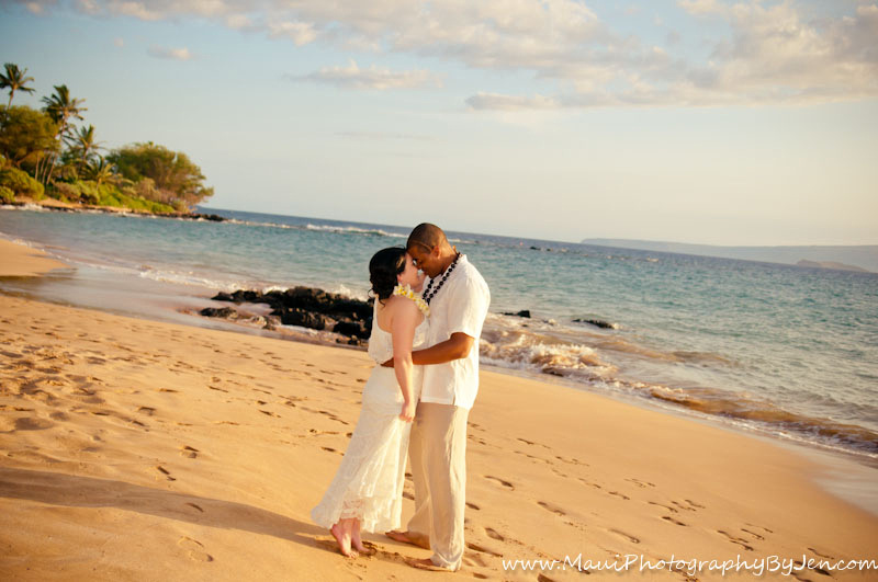wedding photography in maui simple