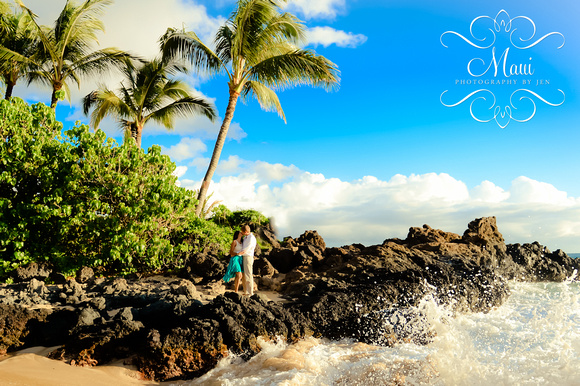 maui photography of couple on honeymoon at makena secret beach resort
