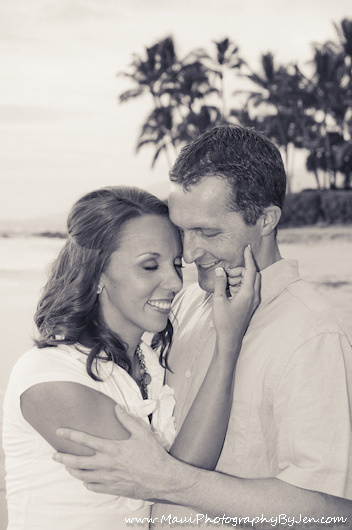 maui photographer with couple in love