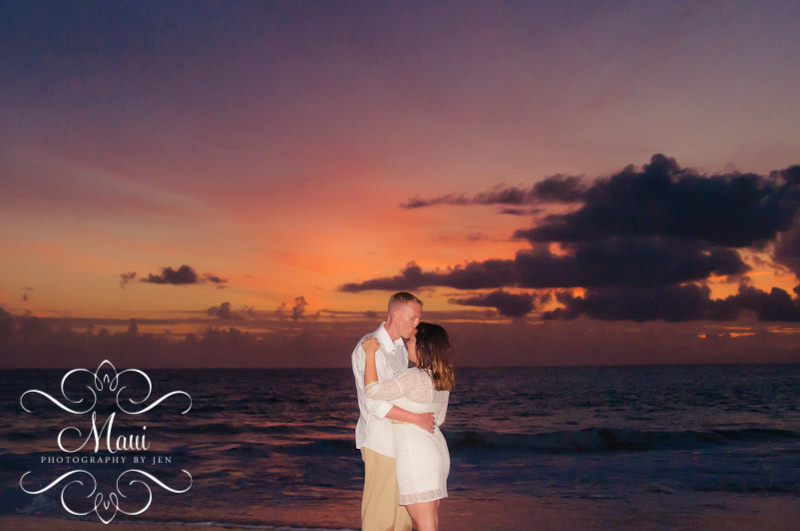 maui photography couple kissing at sunset beach